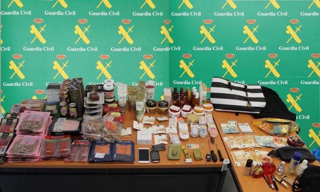 La Guardia Civil detiene a tres mujeres por hurtos en perfumerías y supermercados de Andratx y Calvià