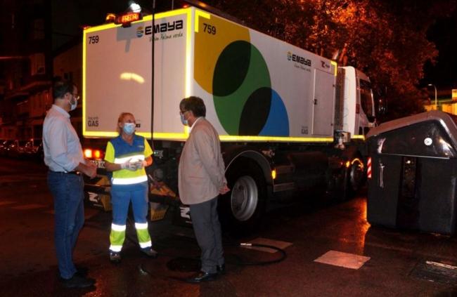 El alcalde de Palma visita los equipos de limpieza desinfectante nocturna