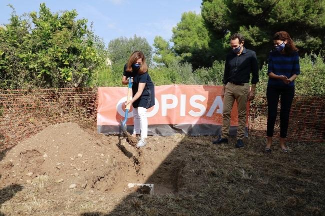 Primera piedra de una promoción de 42 viviendas de protección oficial en Son Servera