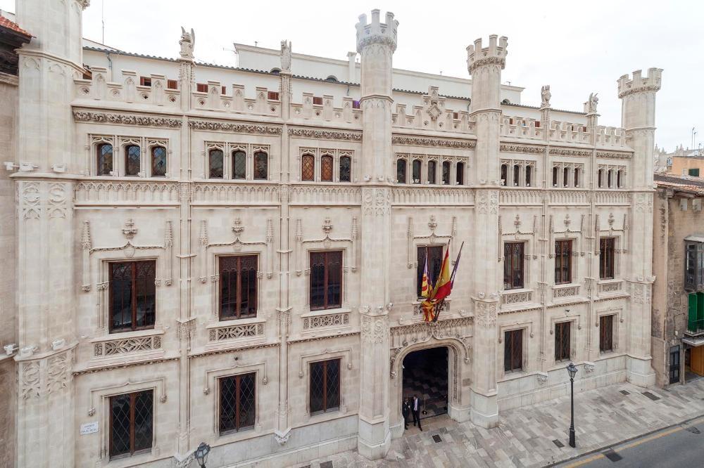 El Consell incrementa las subvenciones extraordinarias al sector cultural