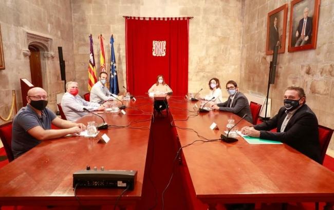 Acuerdo para protejer a 85.000 fijos discontinuos de las Illes Balears y prorroga los ERTE hasta el 31 de enero