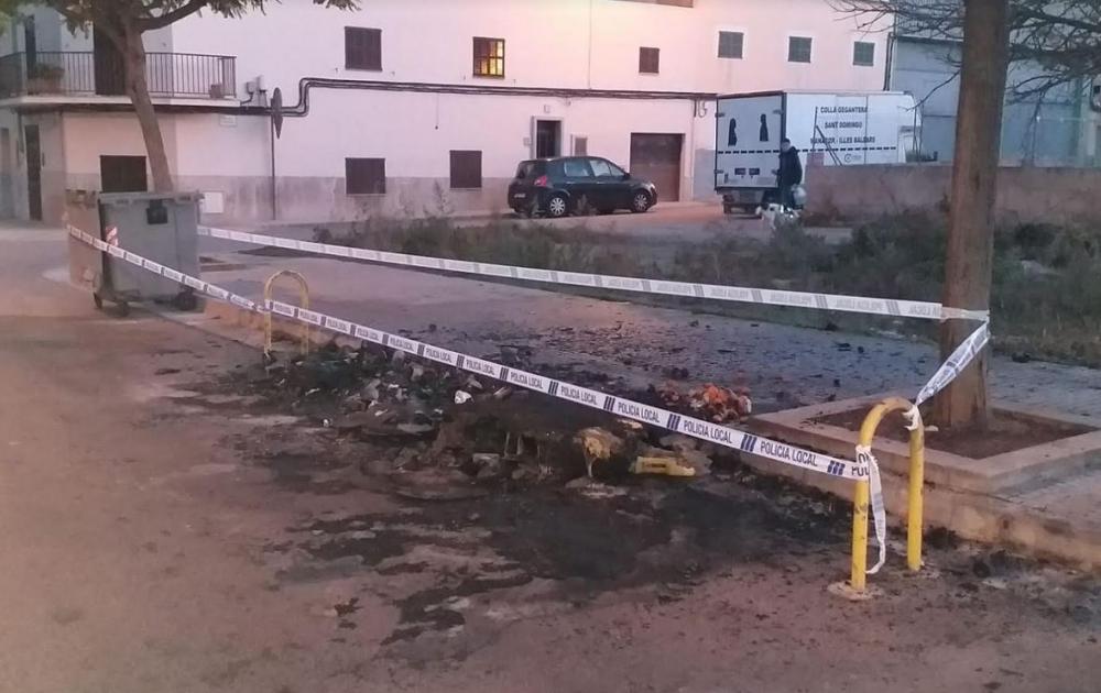 Arden 7 contenedores en dos incendios, al parecer provocados,  en Manacor