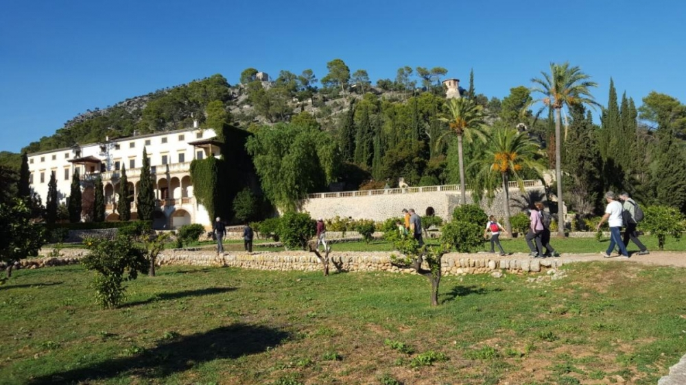 El Consell de Mallorca presenta la guía Paisatge i Escola, con un taller práctico en Raixa