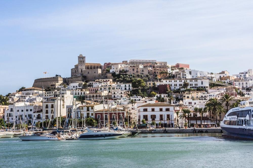 El Govern amplía horarios y aforos en diversas actividades en Eivissa