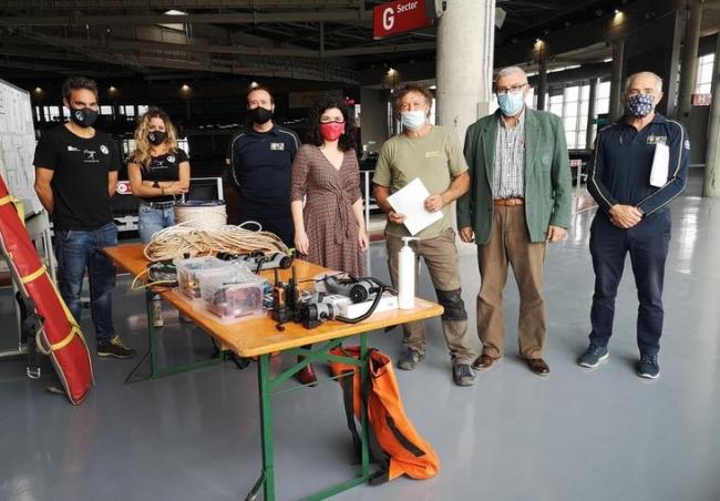 Emergencias cede a la Federación Balear de Espeleología material y equipamiento específico para la prestación de auxilio y rescate dentro de cuevas