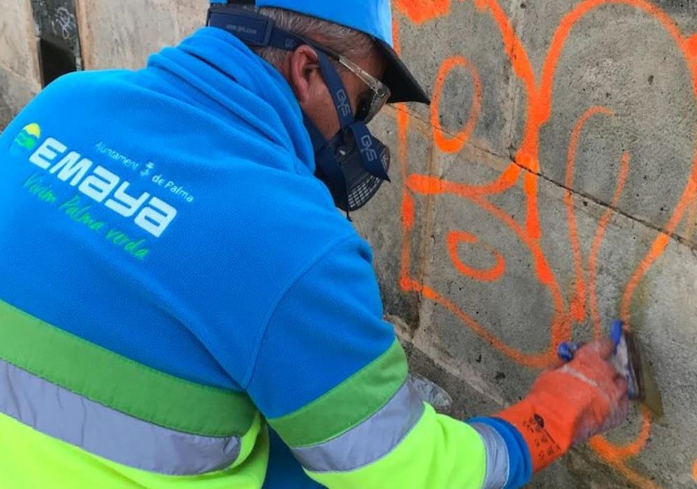 EMAYA pone en marcha el nuevo servicio de eliminación de pintadas vandálicas en inmuebles privados
