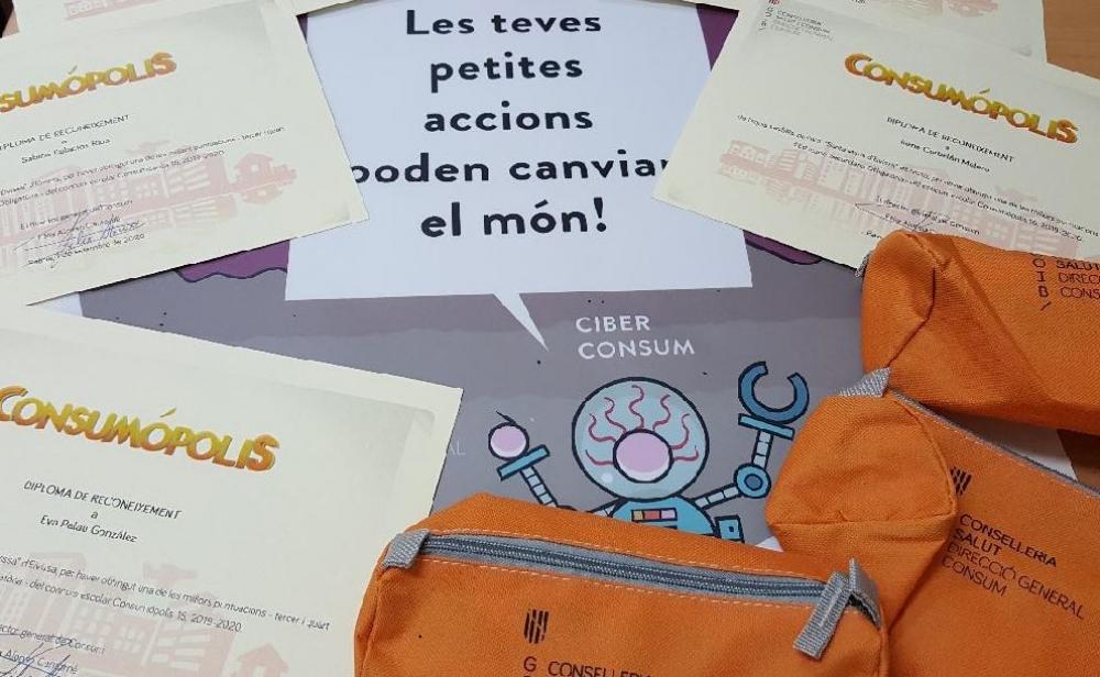 Ciber Consum, nuevo personaje de consumo responsable que ofrece consejos para poder combatir la COVID-19 en los colegios