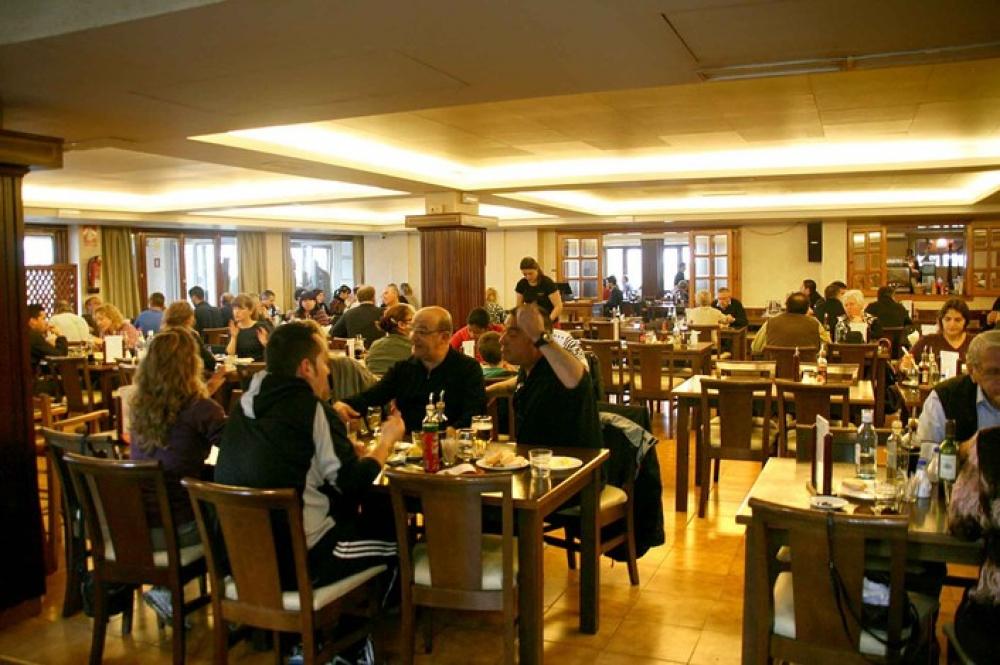 Los clientes de los restaurantes que consuman en el interior deberán identificarse y dar sus datos
