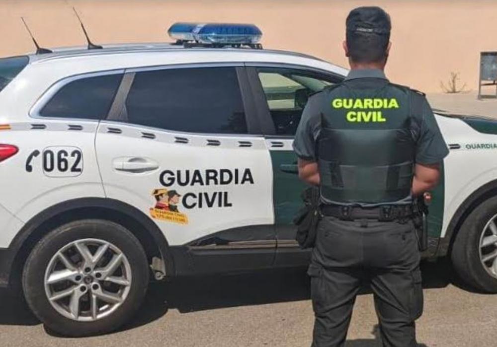 La Guardia Civil detiene a un hombre por robo con violencia y a la víctima del robo por tráfico de drogas