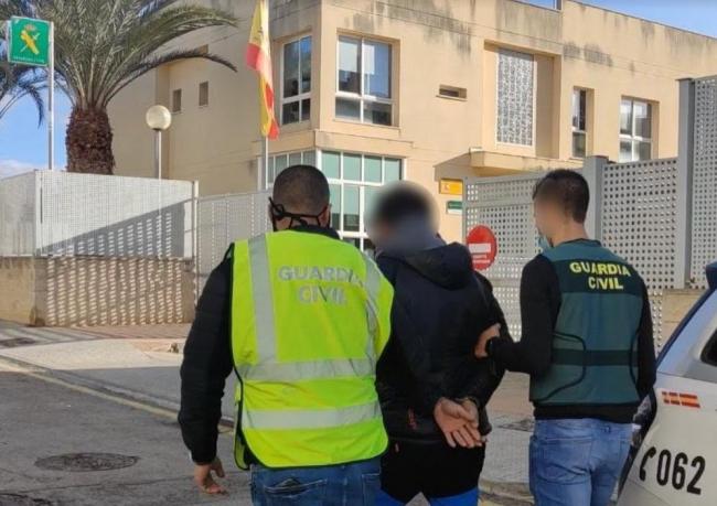 La Guardia Civil detiene a un hombre por violar a una joven de 19 años en Lloseta