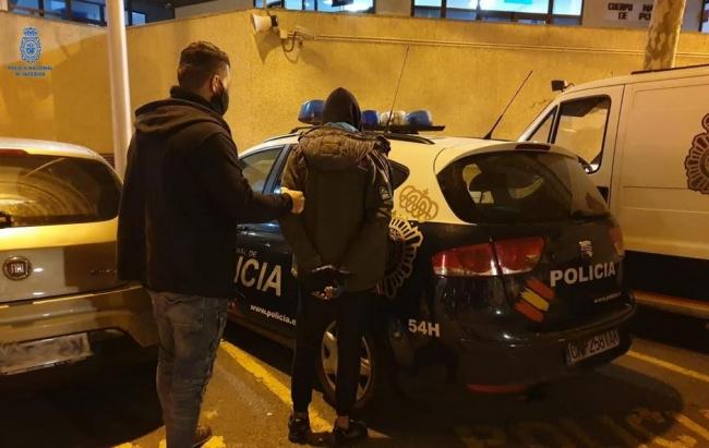Tres detenidos in fraganti en 24 horas, esclareciendo siete robos con fuerza, en Palma
