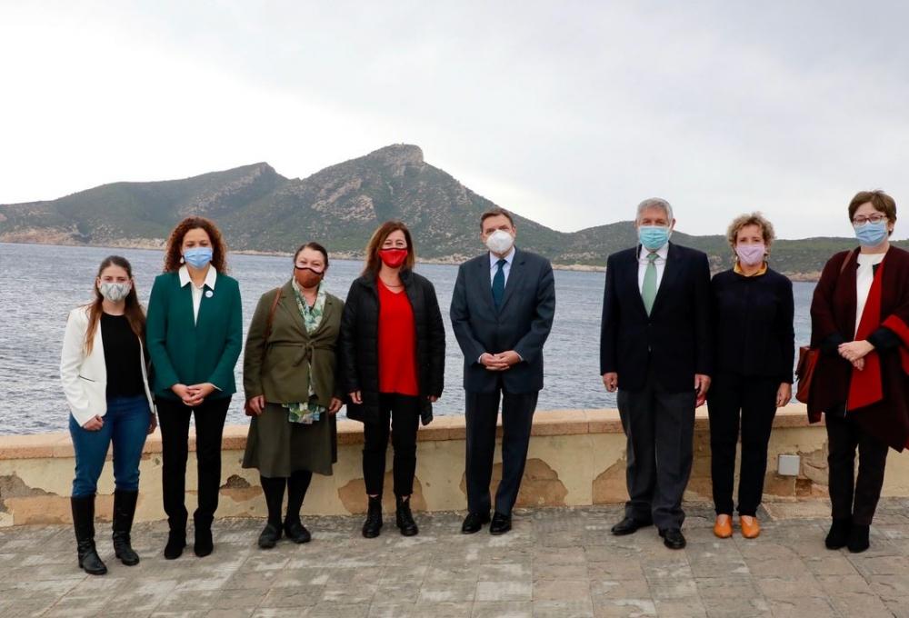 Armengol y el ministro Planas presentan la nueva reserva marina de interés pesquero de Sa Dragonera