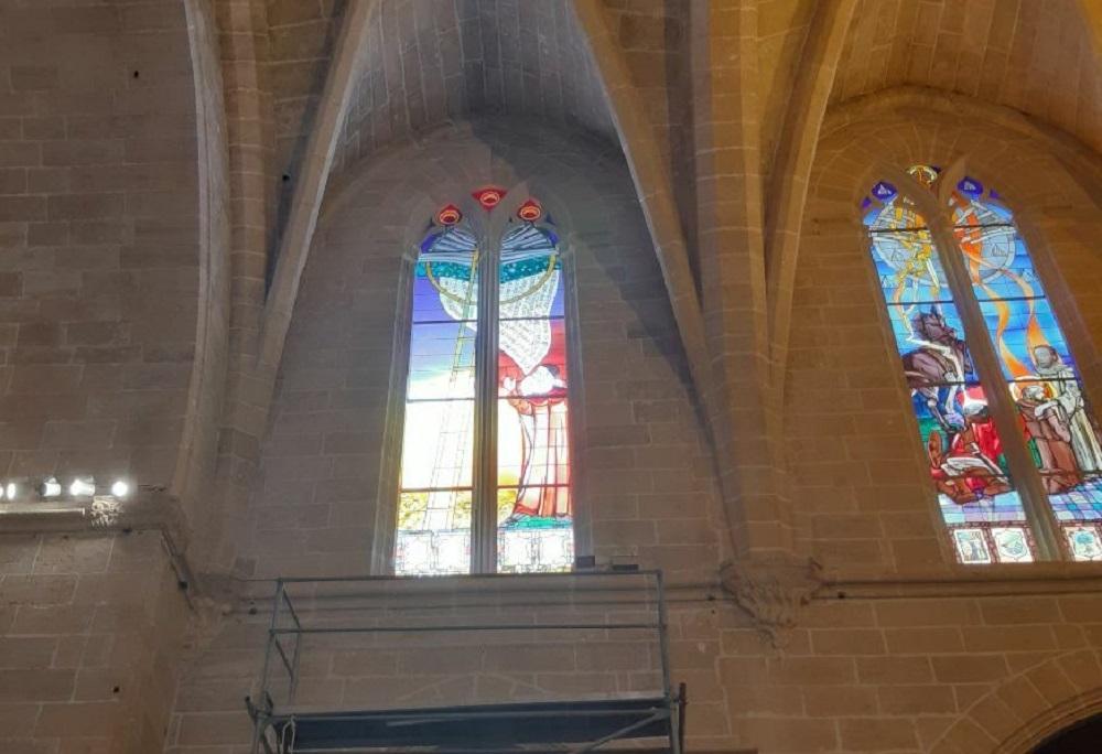 La iglesia de Algaida estrena vitrales