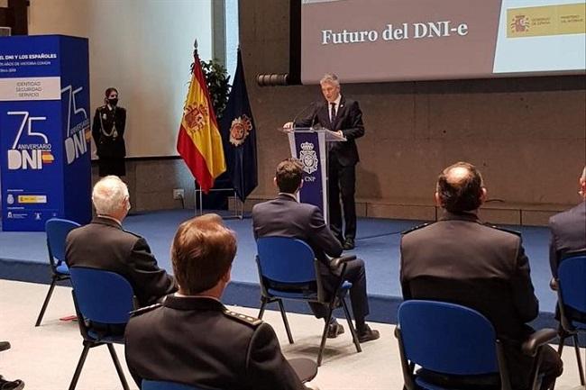 La Policía Nacional integrará el DNI en el móvil para crear un documento de identidad digital