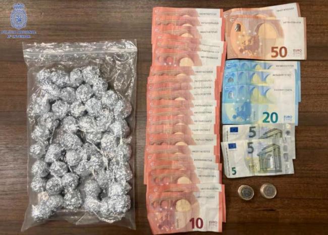 Ocultaba la droga en un cuarto de contadores de un edificio en Palma