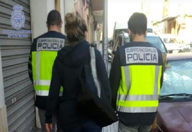La Policía Nacional detiene a cinco personas por delito de inmigración ilegal y estafa con matrimonios ficticios