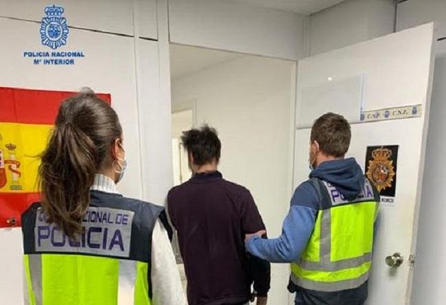La Policía Nacional de Palma detiene a un hombre por siete robos con fuerza en casa habitada