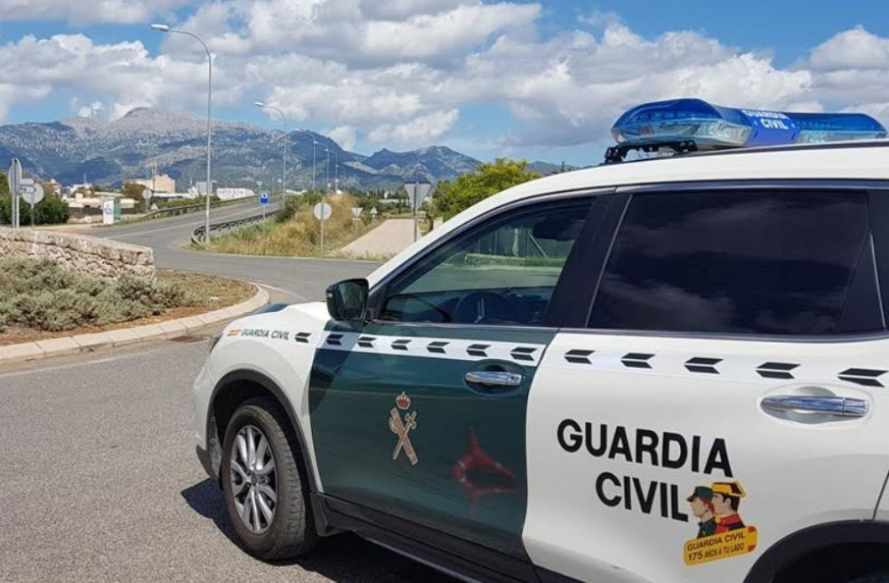 La  Guardia  Civil interviene  en  una  fiesta  en una casa rural de Algaida