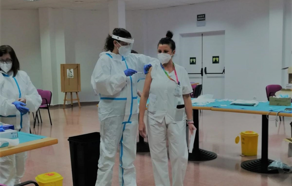 El Pi vuelve a reclamar que se priorice la vacunación en las comunidades turísticas