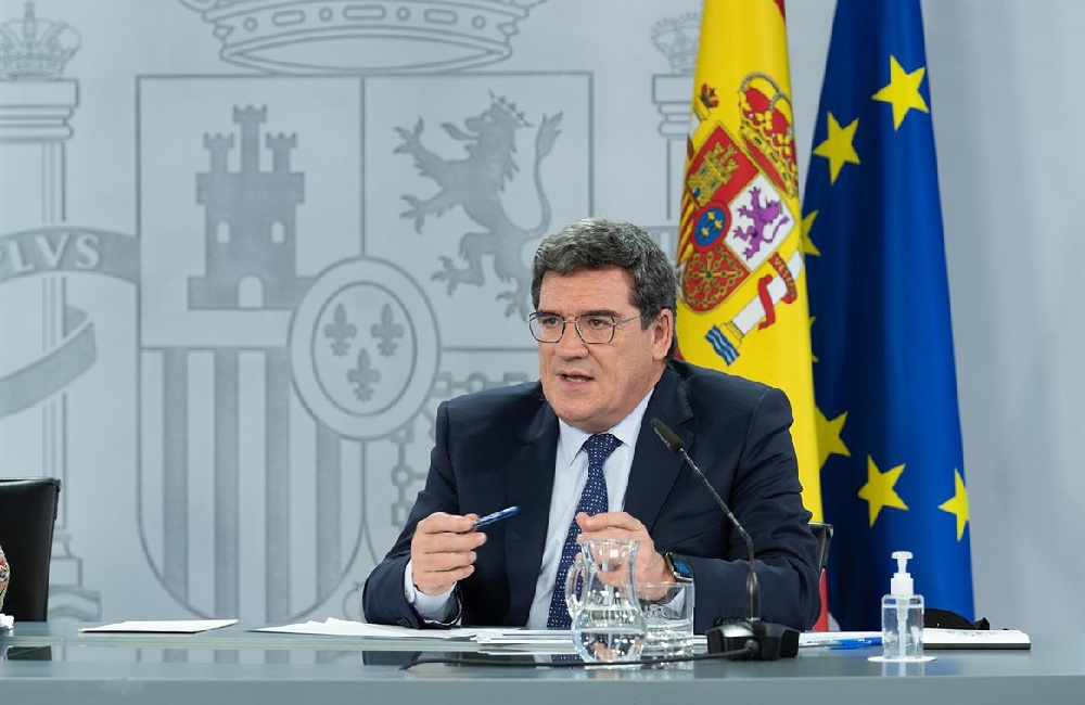 El Gobierno prorroga los ERTE hasta el 31 de mayo y revaloriza las pensiones un 0,9%