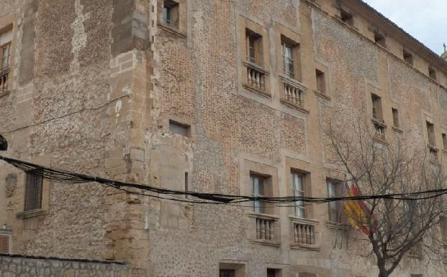 Pollença suspende el pago de la tasa de recogida de basuras y de ocupación de vía pública a comercios, restauración y hoteles
