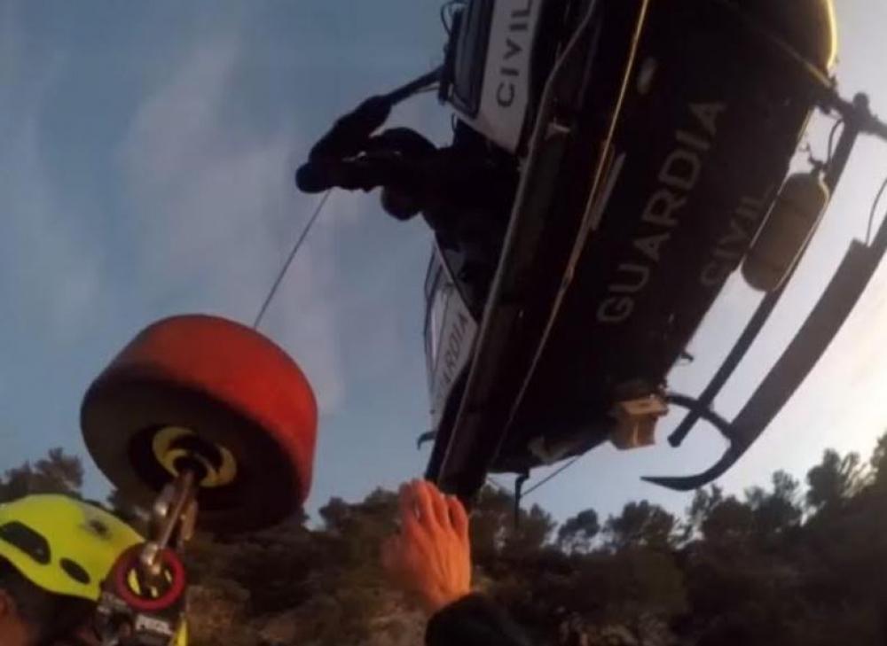 La  Guardia Civil  rescata  a  un  hombre  de  71 años en la Serra de Tramuntana