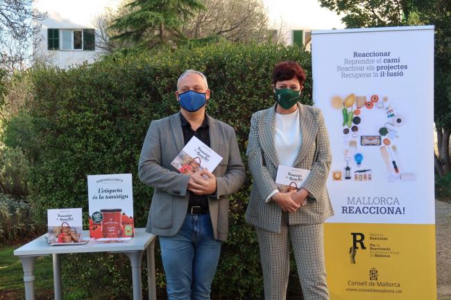 Es presenta el llibre «Tomàtiga de Ramellet. Pagesos i cuiners», impulsat pel Consell de Mallorca i Agromallorca