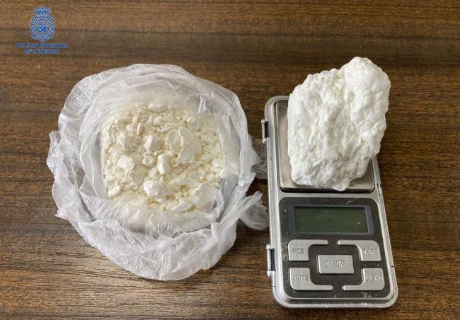 La Policía Nacional detiene a dos individuos por un delito de tráfico de drogas en Palma