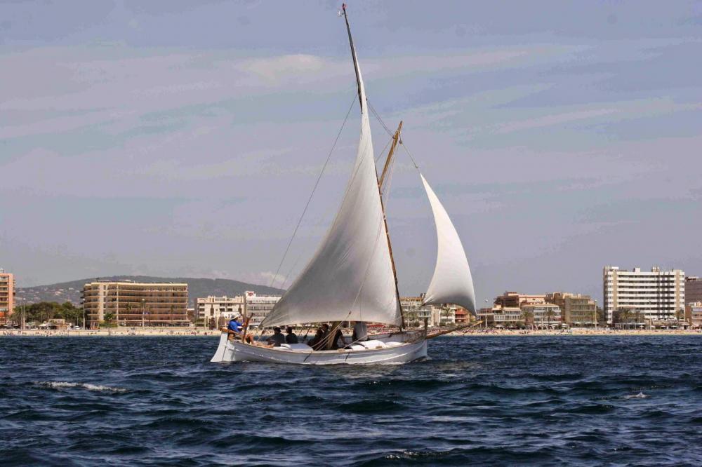 Sostenibilitat i Medi Ambient aprova un conveni de col·laboració per al manteniment de l'embarcació tradicional Alzina