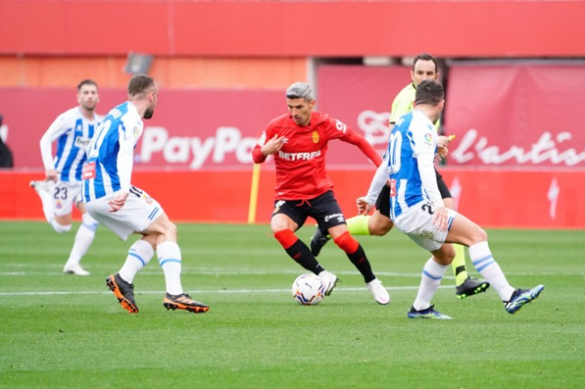 El RCD Mallorca pierde ante el RCD Espanyol en el Visit Mallorca Estadi (1-2)