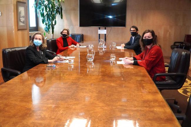 Armengol reclama a Calviño medidas de apoyo a las empresas baleares afectadas por la Covid-19