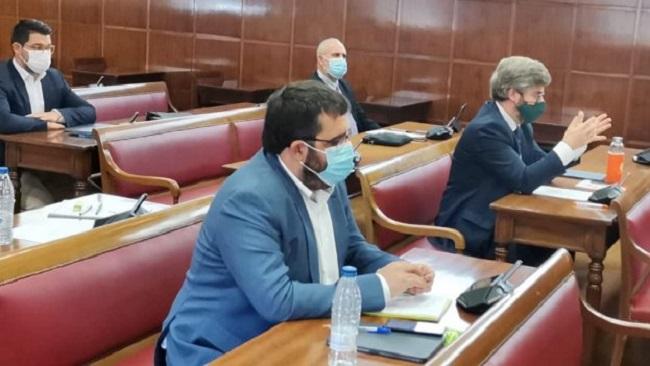 Vidal: 'El PP y el PSOE han ignorado las demandas del pequeño comercio votando contra la nueva regulación de las rebajas'