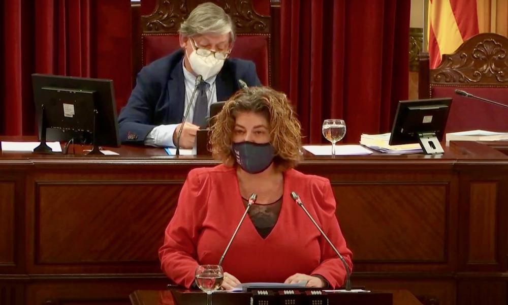 El pleno del Parlament aprueba el decreto ley que amplía la Renta Social
