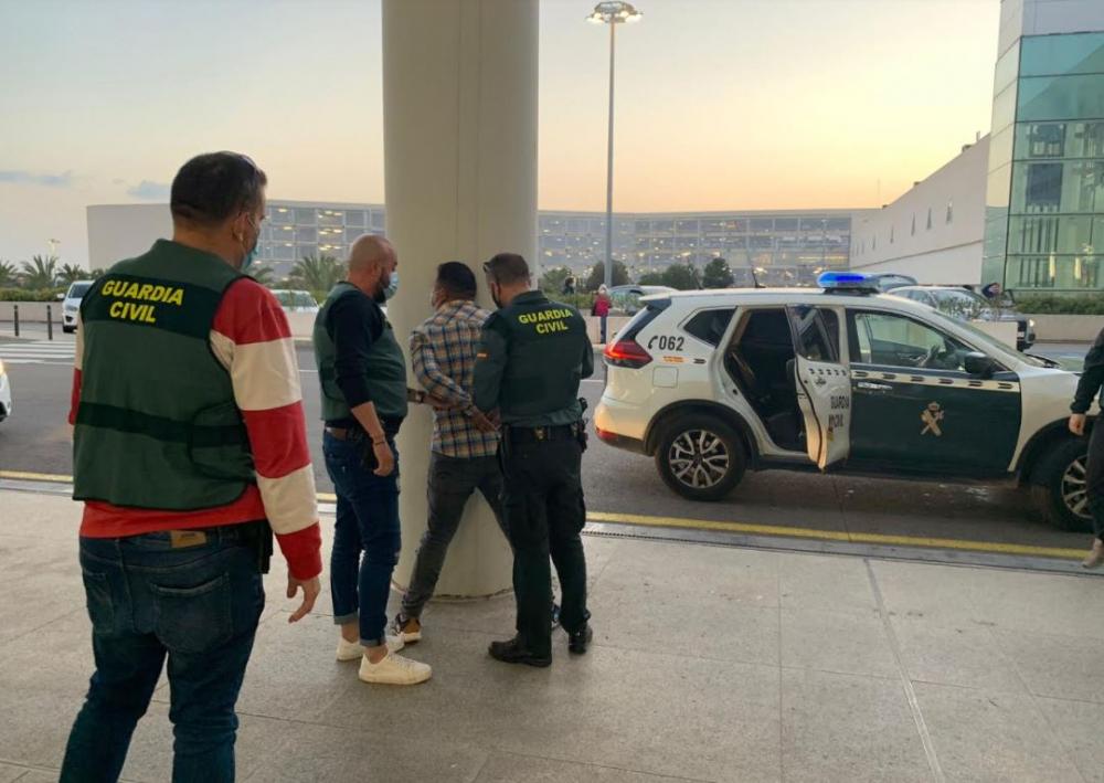 La Guardia Civil detiene a una pareja por varios robos de relojes y joyas en Mallorca