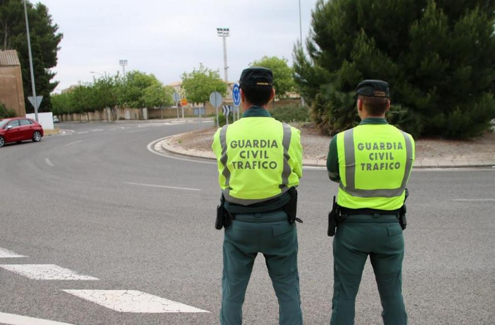 La Guardia Civil de Ibiza intercepta a un motorista yendo a 165 km/h en un tramo de 60 km/h