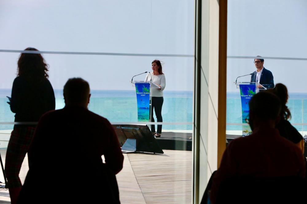 Armengol explica a los medios alemanes en la ITB las iniciativas que desarrollan las Balears para reiniciar la actividad turística