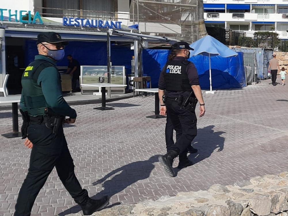 La Guardia Civil refuerza el dispositivo especial en Baleares en la lucha contra la covid19 durante esta Semana Santa
