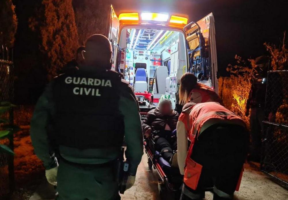 La Guardia Civil auxilia a una mujer que se estaba asfixiando por los gases de un generador en Sencelles