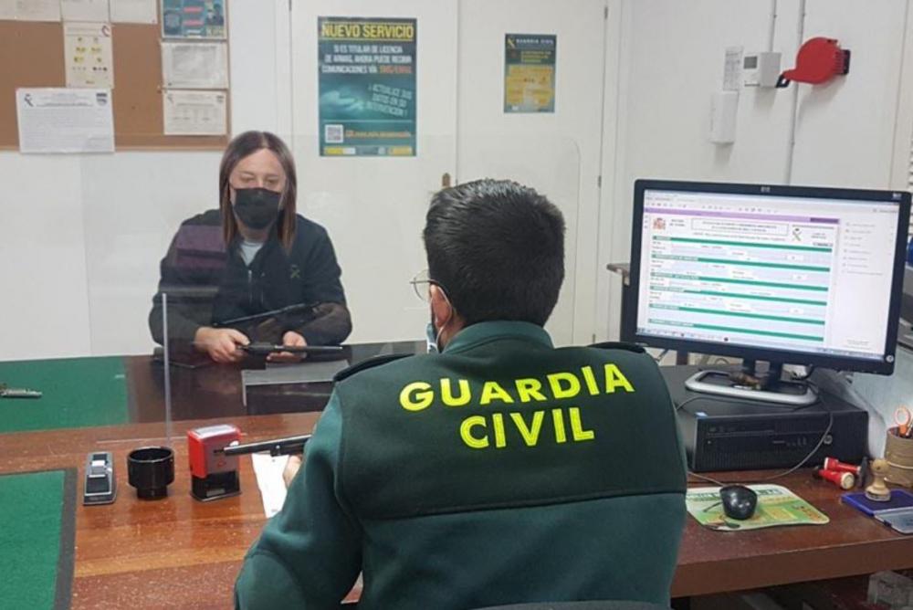 La Guardia Civil pone en marcha nuevos canales de información relativos a trámites  relacionados con armas