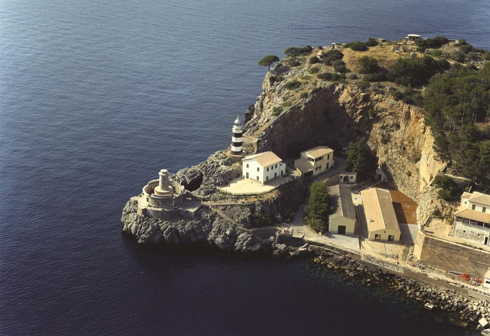 Se restauran los forjados del faro de sa Creu, en el port de Sóller