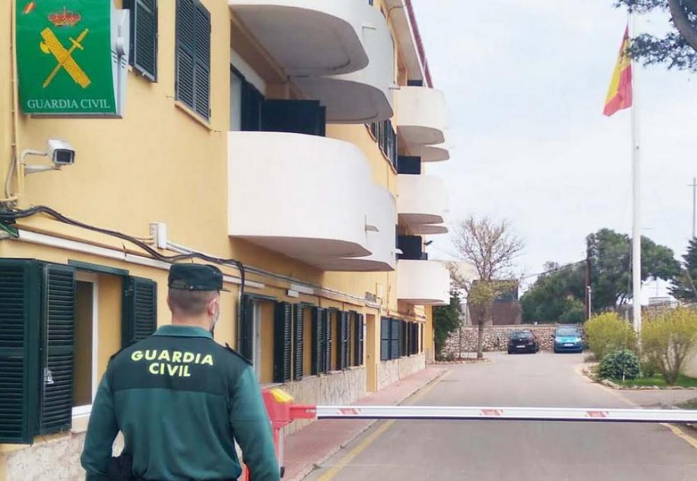 Un guardia civil fuera de servicio evita una agresión de violencia de género en Mahón