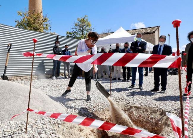 El Govern pone la primera piedra de una nueva promoción de 43 viviendas públicas en Palma