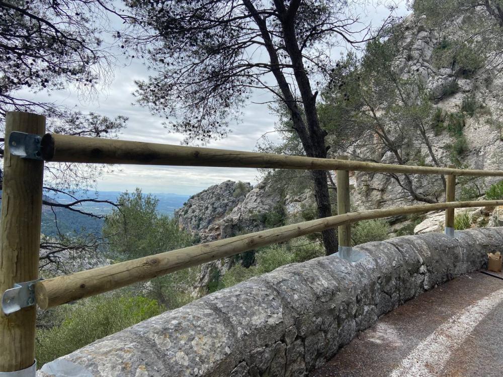 Inician la sustitución de más de 31 kilómetros de barrera metálica en las carreteras de la Serra