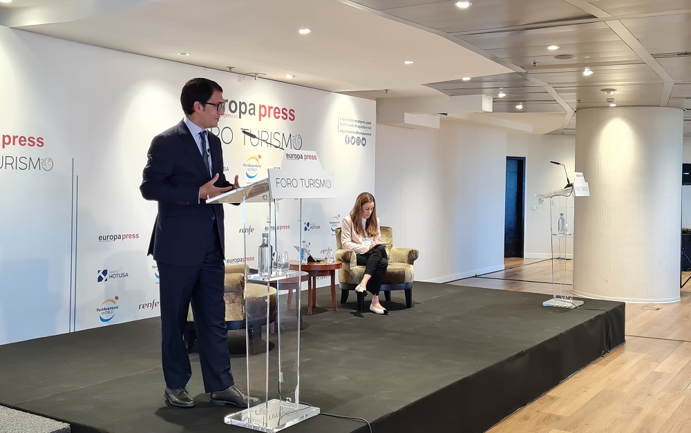Negueruela defiende que las Illes Balears tendrán temporada turística segura y se alargará más allá del verano
