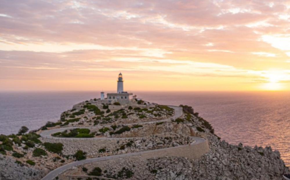 Presentan las medidas para controlar el acceso de vehículos a la península de Formentor