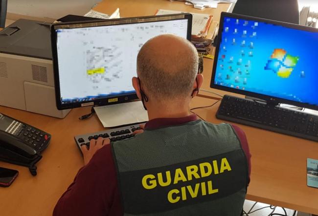 La Guardia Civil desmantela una  organización por estafar a  través de Internet gracias a la denuncia de una mujer de Sineu