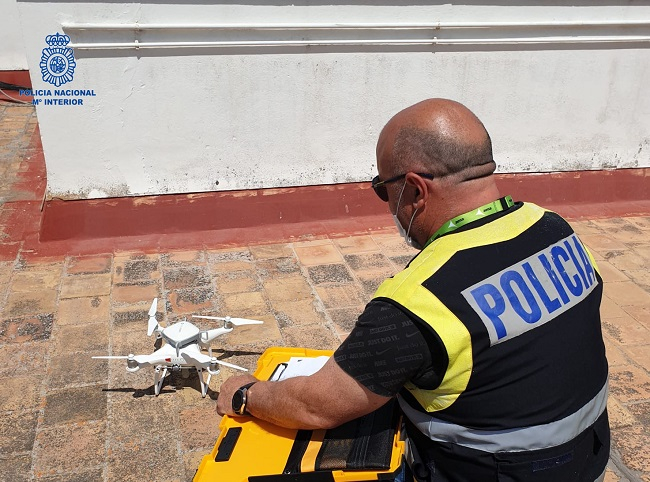 La Policía Nacional de Palma se especializa en el manejo de drones en casco urbano