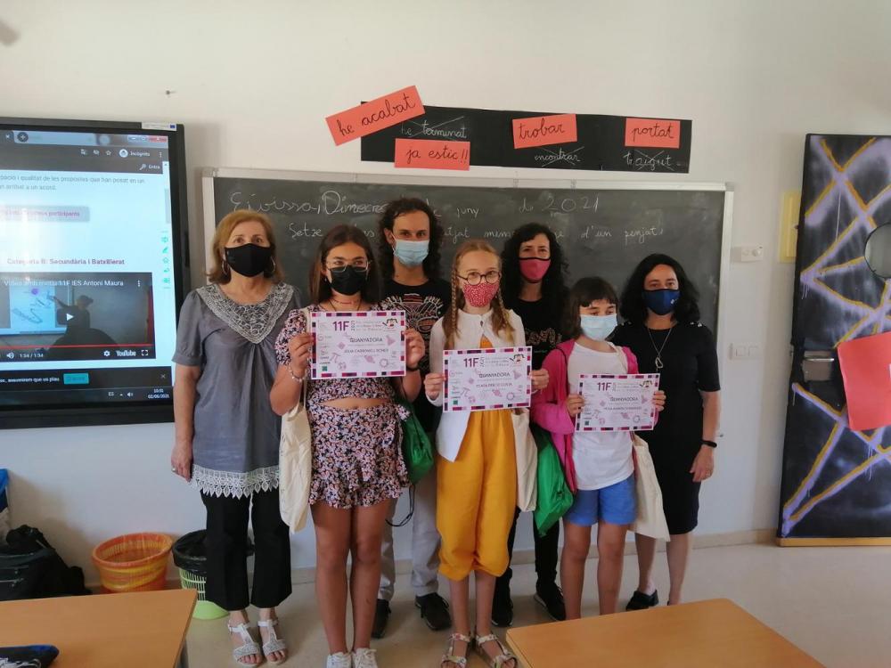 Entrega del premio del concurso escolar «Yo también quiero ser científica» al CEIP Sa Bodega de Ibiza