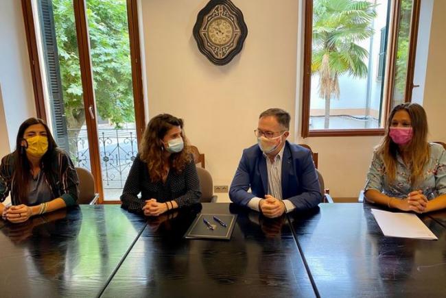 El IBAVI construirá 18 VPO en Esporles, la primera promoción de protección del municipio, en un solar cedido por el Ayuntamiento