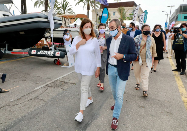 Armengol y el vicepresidente Yllanes visitan la Palma International Boat Show